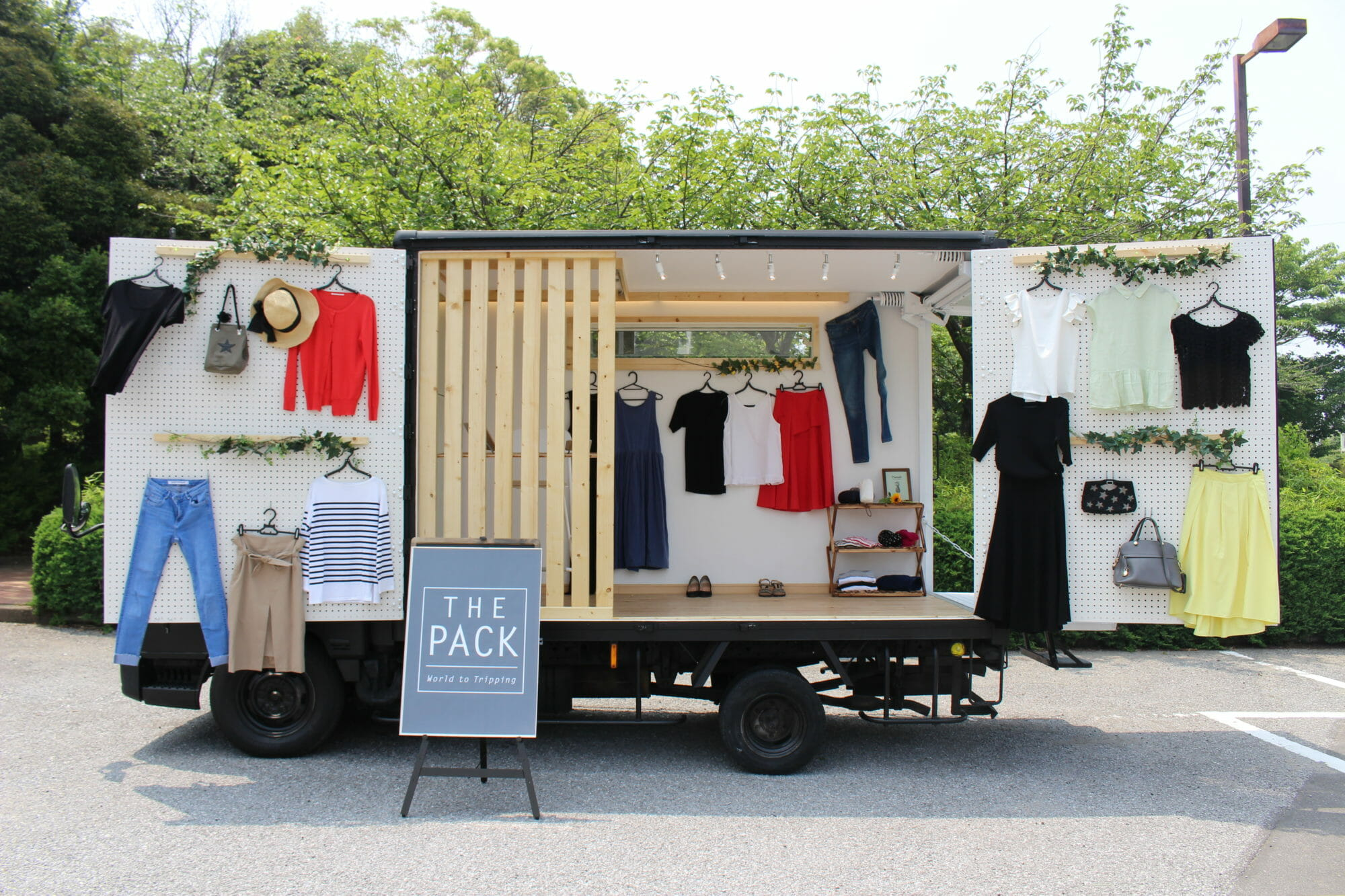 THE PACK WAGON,ファッショントラック,fashion truck,bebe